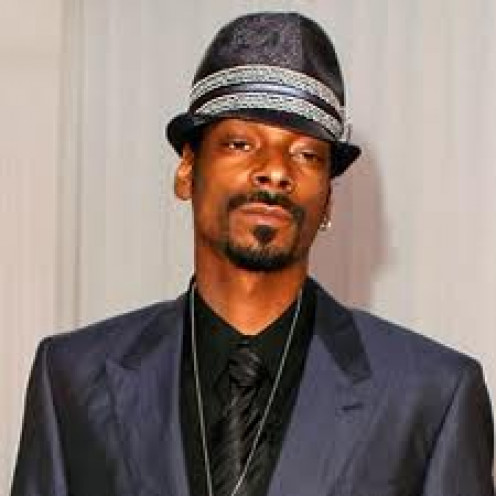Snoop Dogg is a famous rapper and television star.