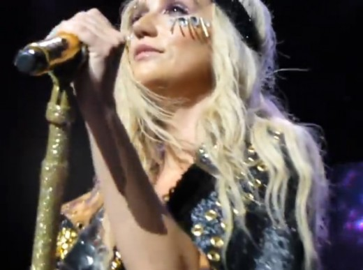 Ke$ha Last Goodbye Live