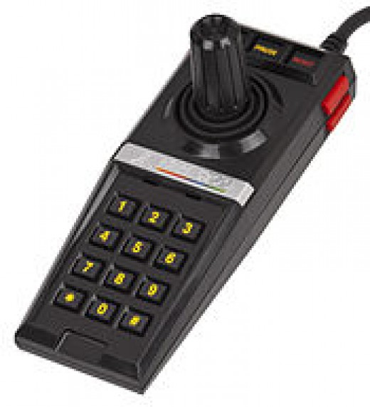 The pause button was first premiered on the Atari 5200. Nintendo then coupled this with the start button later.