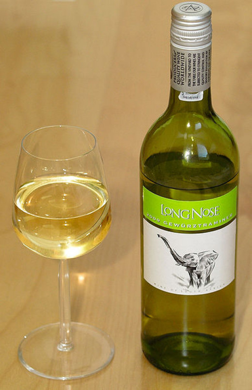 Various varieties of white wine have different number of calories per glass. Get the facts here.