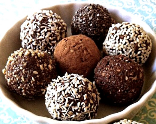 It is easy to make lots of different protein balls by adjusting the recipe for each new batch