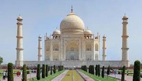 The beauty of theTaj Mahal