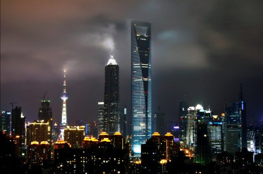 Shanghai World Financial Center Looks Amazing at Night