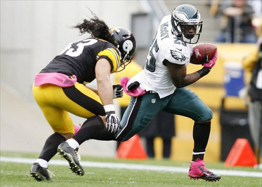 Troy Polamalu pulls up lame against Eagles