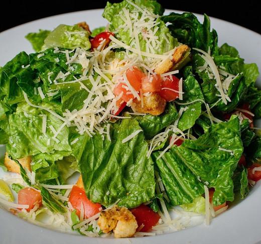 Calories Homemade Caesar Salad versus Fast Food Types
