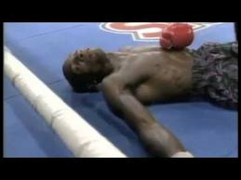 Buster Drayton( Above) was flattened by Julian Jackson in the third stanza an I mean this man was starched to say the least.
