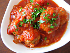 Meatballs in Tomato Mint Sauce