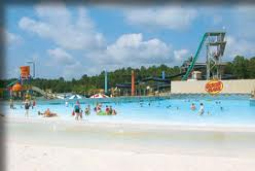 The wave pool at Alabama Adventure has big waves for five minutes then zero waves for five and it constantly repeats this process.