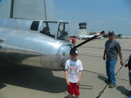 It would be hard for my 9 year old to fit inside the tail gunner's nest.