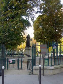 Maria Desraimes statue, Square des Epinettes, Paris