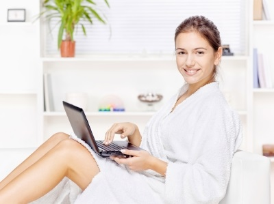 Earning money from home. Ways to earn money to travel.