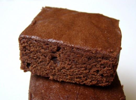 http://shaunasever.com/2010/01/rich-chocolate-snack-cake.html