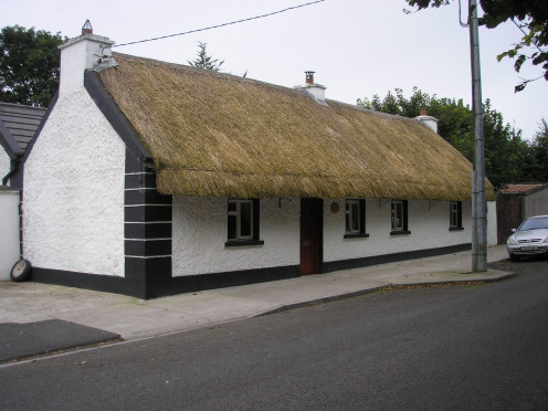 chill out in a thatched Irish cottage and rustle up a few homemade creations.