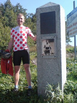 The iconic Polka Dot Jersey. The winner of the classification at the Tour will net 25,00 euros