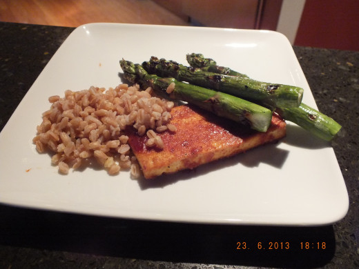 Big yum! The smokey barbecue flavor paired well with nutty brown rice and fresh roasted asparagus.