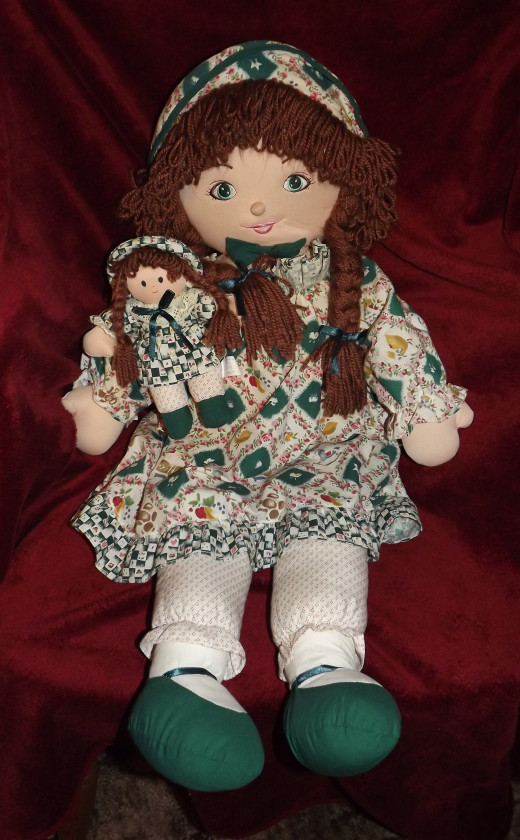 Holly Hobbie Doll With Her Very Own Mini-Me Doll (Thanks and a big shout out to Barbara Kay for helping me identify this doll!)