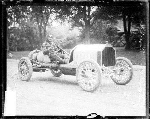 Louis Chevrolet in his Buick at the 1909 Cobe Cup race