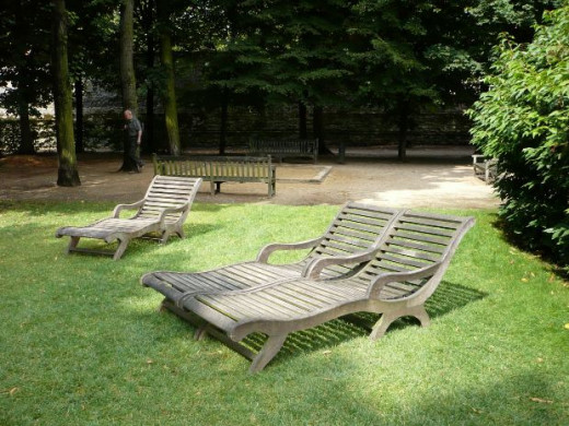 How To Care For Teak Patio Furniture