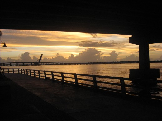 Riverwalk sunset over the Manatee River