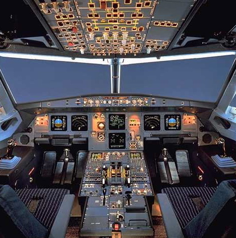 A-320 full cockpit view