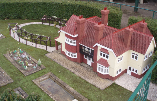 Green Hedges - Enid Blyton's home in Beaconsfield is no more. But in Bekonscot Model Village there is a small 'replica' of her house. The name 'Green Hedges' was selected through a competition in Enid's children's magazine 'Sunny Stories'.