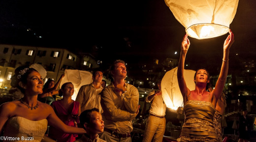 Releasing Lanterns At Wedding Reception In Italy  http://www.weddingphotographer.it/index_old.htm