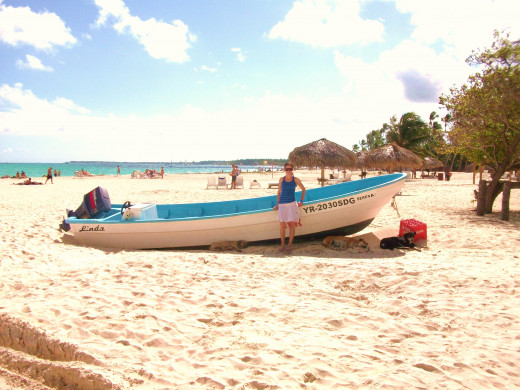 Our other excursion was a trip out onto the open ocean for some snorkelling and a chance to drive some mini speed boats.