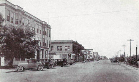 3rd St. looking West 1920