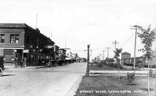 3rd St. looking West 1925