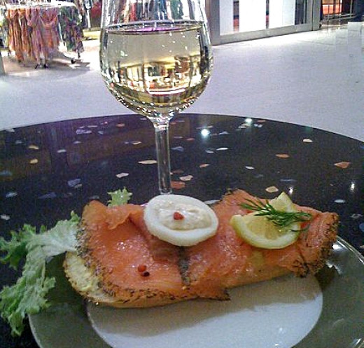 White wine pairs well with grilled salmon