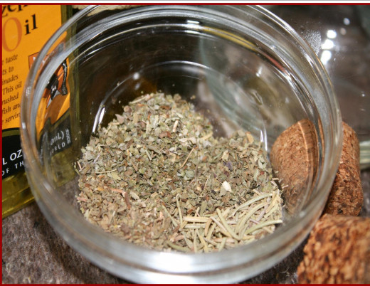 Here is a basic group of herbs that include traditional Italian pasta herbs.  The Rosemary adds a nice touch.