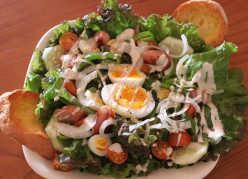 BLT: Bacon, Lettuce and Tomato All Day Breakfast Salad; An Easy Sunday Breakfast, Lunch or Brunch Recipe