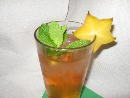 Anti inflammatory foods include green tea.