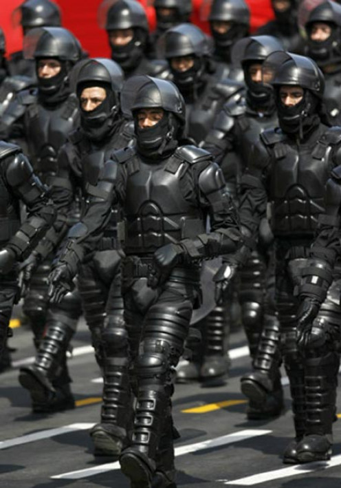 An android army? no, Peruvian anti-riot police