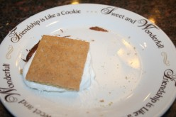 How to make a perfect microwaveable smores bar with 3 ingredients!