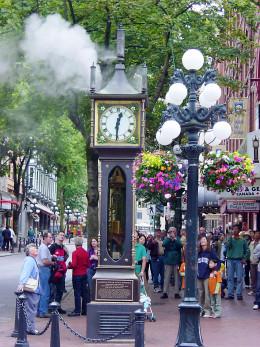 The Gastown clock releasing steam
