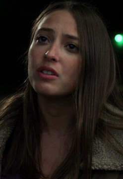 Fabianne Therese as Amy