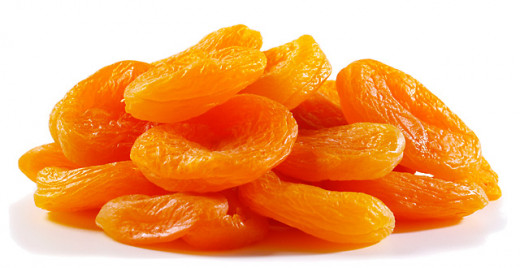 Dried apricots are easy to pack and a great snack food. Just 100 grams will provide 72% DV of vitamin A.