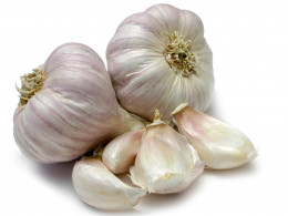 Garlic is known for being heart healthy but not many know that it also provides a whopping 84% DV in a 100 gram serving. It is great for seasoning in soup, sauces, and condiments.