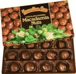 Macadamia nut candy is an inexpensive gift from Hawai'i that will delight your friends and family.