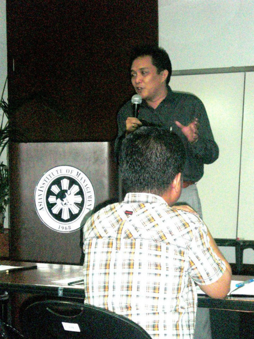 Coach Rovel sharing real estate marketing experience in Asian Institute of Management Makati City