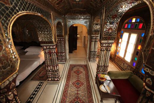 Sheesh Mahal Suite