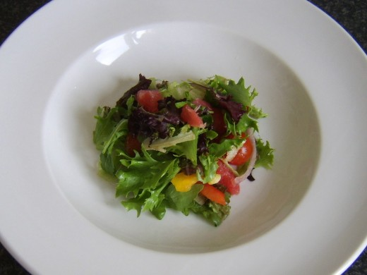 Red grapefruit salad bed