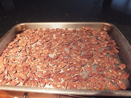 It does seem like a lot of pecans, but it's just a perfect amount!