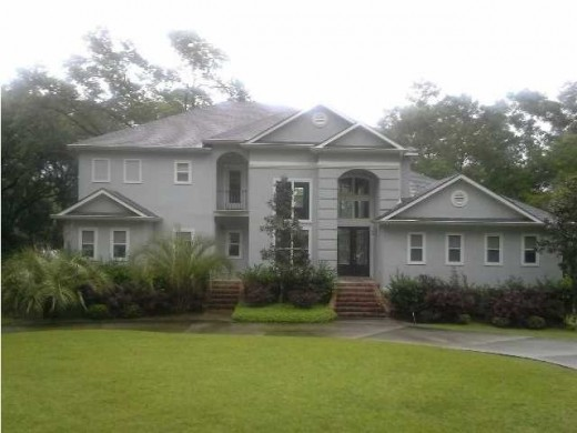 Large home  that could be anywhere like the Eastern Shore, West Mobile, or in the country acreage of Saraland.