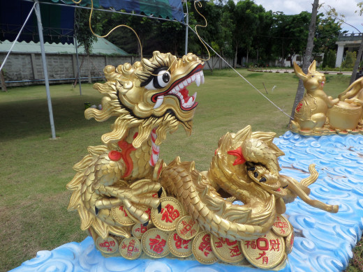 Dragon sculpture at Kuang Im Temple