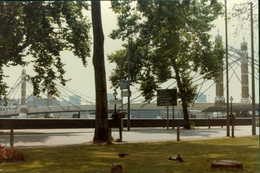 Bridge used by cars in place of the London Bridge landmark.