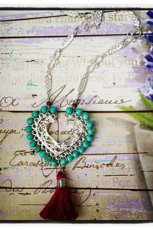 Turquoise Necklace by Lolindo