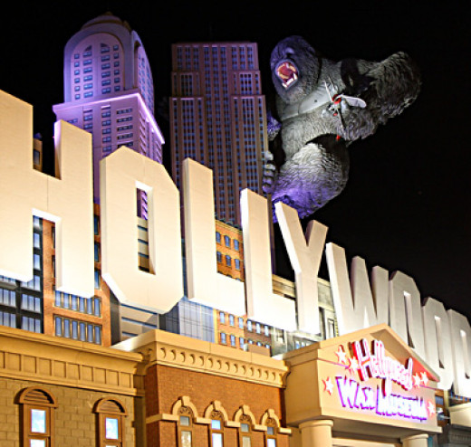 A hot favorite amongst children, this wax museum has lots of life like wax replicas of Hollywood scenes and celebrities.