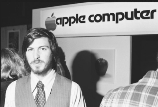 Apple II Debut   04/16/77